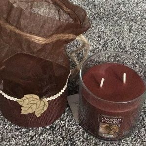Yankee Candle Autumn Wreath in pretty gift bag!